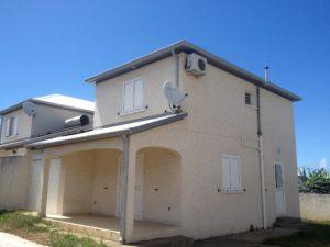 Maison F4/5 – 4 pièces – Terrain de 297 m² – Rivière Saint-Louis